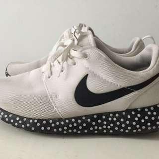 Nike Roshe One size US7.5