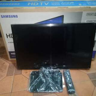 Brand new samsung 24inch LED