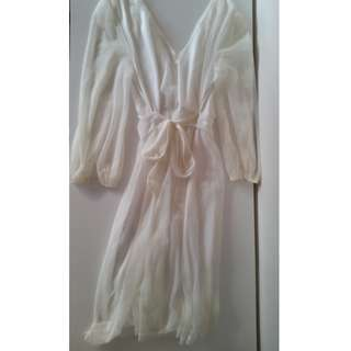 White Flowy Dress XS FREE POSTAGE