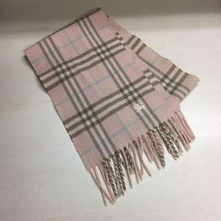 淺粉紅Burberry 頸巾