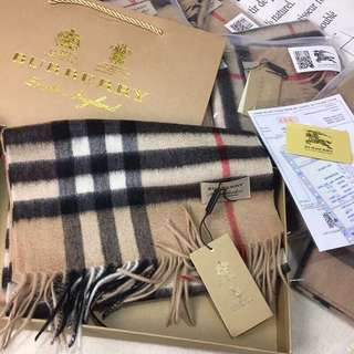 Burberry classic camels 🐪 cashmere scarf 🧣