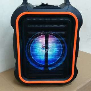 Brand New Beautiful PA Speaker with LED Disco lighy