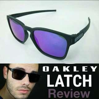Oakley lacth square