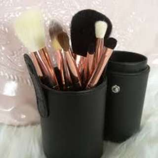 Morphe - 7 Piece Rose Brush Set BRAND NEW & AUTHENTIC (NO OFFERS