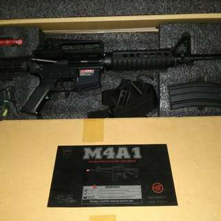 M4A1 Airsoft Almost New No Scratches