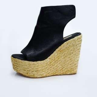 黑色虎皮船跟鞋