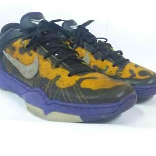 Nike Kobe 7  Court Purple Yellow  Poison Dart Frog Wolf Grey Black Size 40 (25cm)
