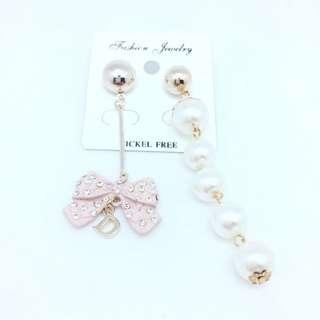 珍珠蝴蝶結不對稱耳環