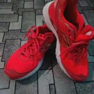 Rebbock running shoes