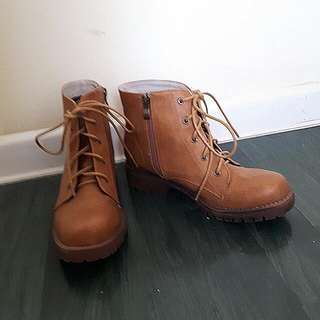 Camel Brown Boots