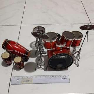 Pajangan drum & gendang