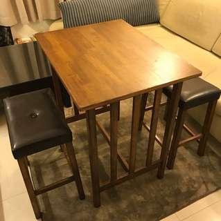 古典木桌兩椅  (買家自取 價錢可議)