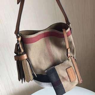 Burberry The Small Ashby Bag