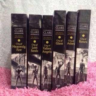 Novel Import English by Cassandra Clare: Shadow Hunters