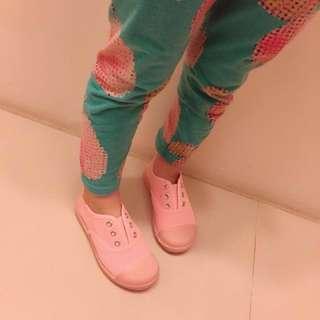 粉色軟底鞋
