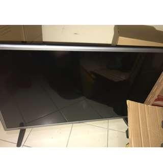 LG HD TV (720p) 32LH570D