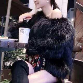 歐美誇張皮草感毛毛性感ㄧ字領露肩上衣