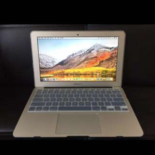 MacBook Air 11-inch mid 2011 ssd 128GB 香港行貨,功能完好,自用機,保養好,95%新,有火牛,因換了新機所以賣。The MacBook Air 11 inch mid 2011 SSD 128GB Hong Kong goods, the function is intact, self-use machine, maintain good, 95% new, have charger, because change new machine so sell.