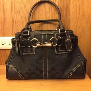 🚚 Coach 黑色造型手提包