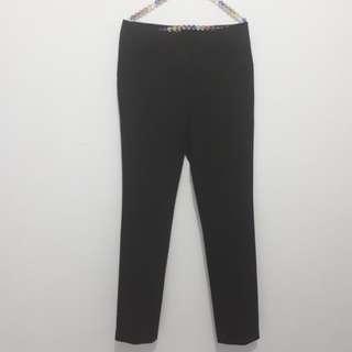 Esprit Celana bahan warna hitam