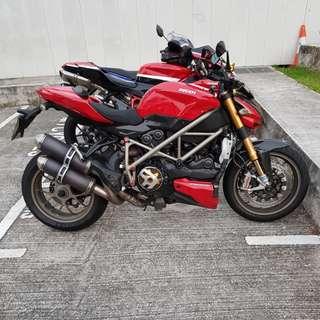 Ducati Streetfighter S model