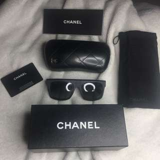 MATTE BLACK CHANEL SUNNIES