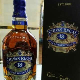 芝華仕18年威士忌700m l連盒,香港行貨。