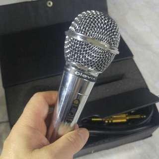Olevia Dynamic microphone