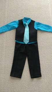 Toddler boy 4 piece suit size 3T