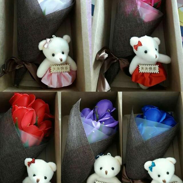 🌹7朵玫瑰香皂花束小熊禮盒🌹聖誕交換禮物,情人節,婚禮小物