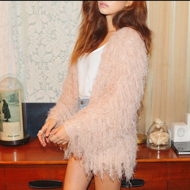 淡粉色軟綿毛海針織外套