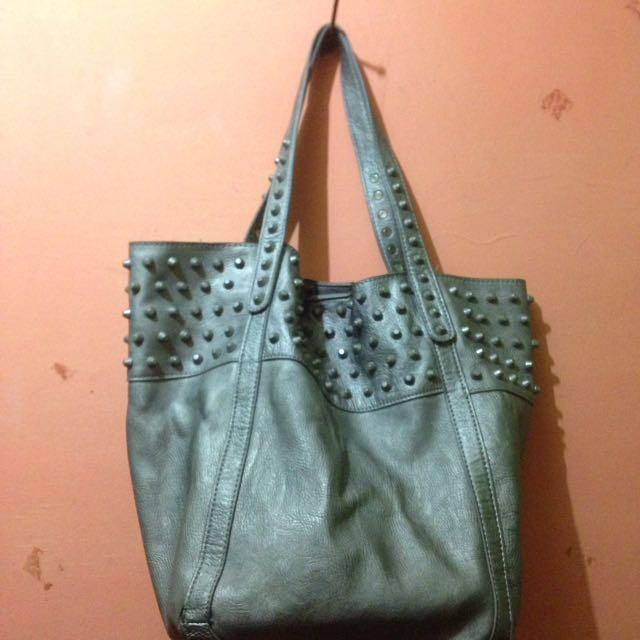 Bag abu