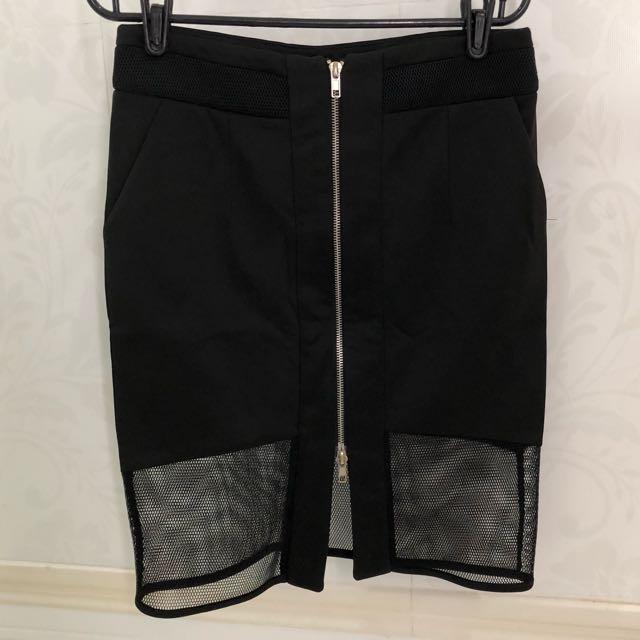 Black zipper skirt