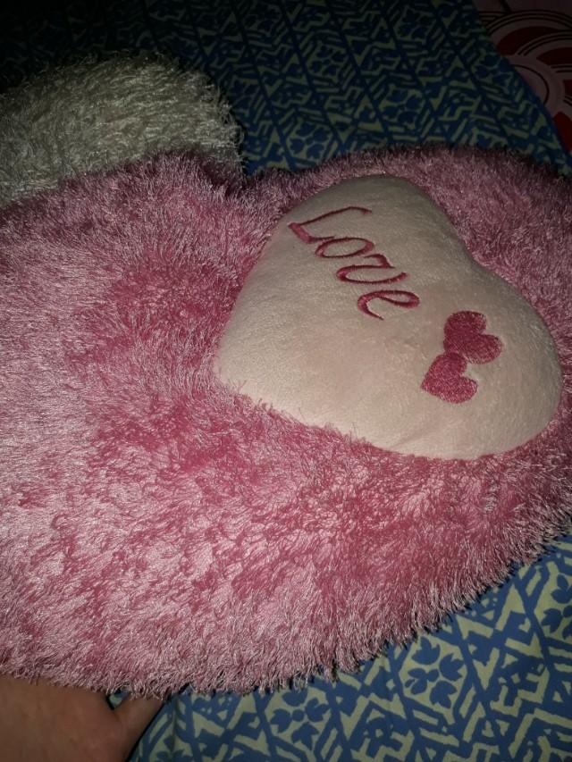 Gratis min order 50rb Boneka bantal love