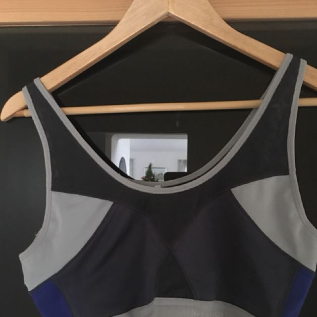 Country road sports bra