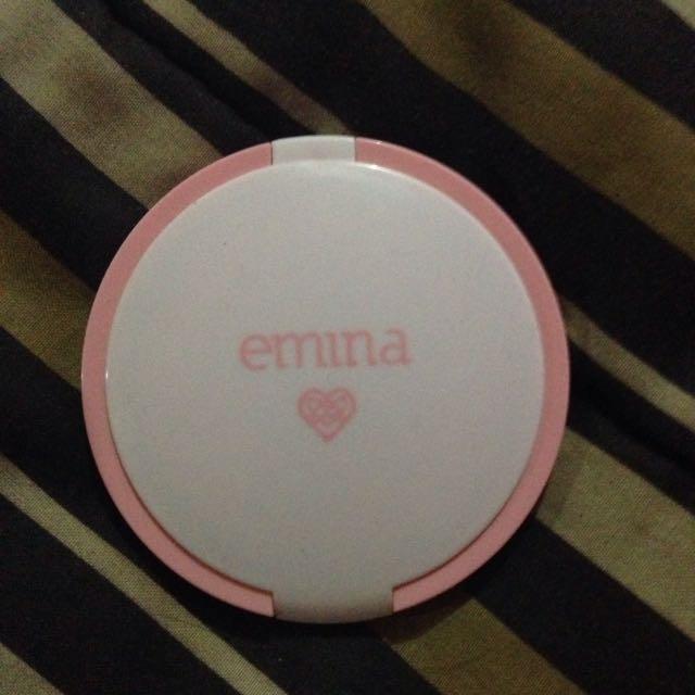 Emina mineral compact powder