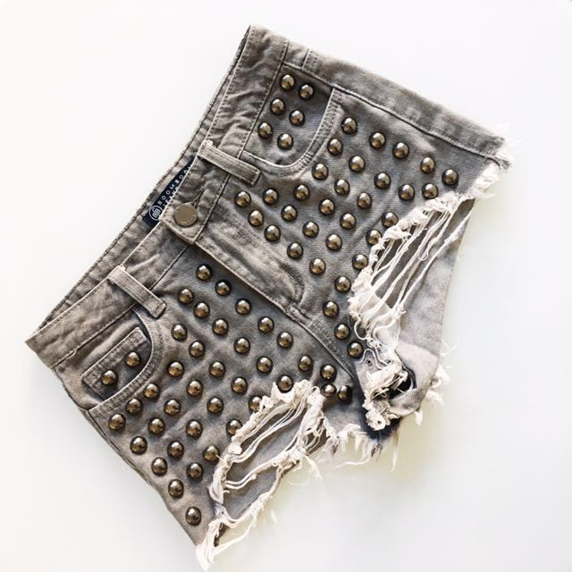 Grey shorts with studs size 1 (XS) (0-2)