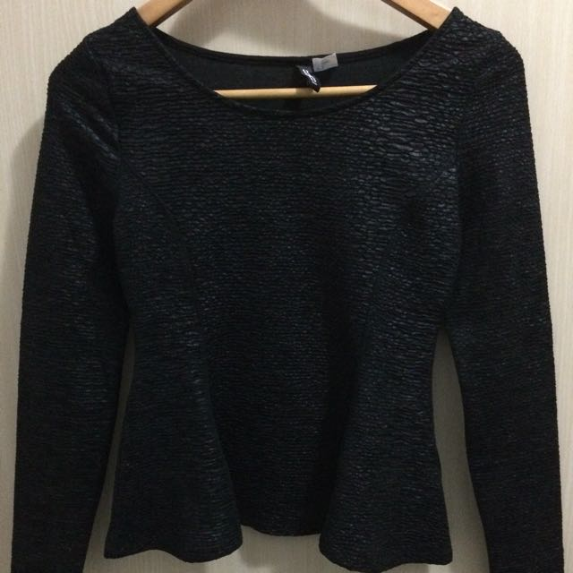 a2758ce2 H&m black long sleeves top, Women's Fashion, Clothes, Tops on Carousell