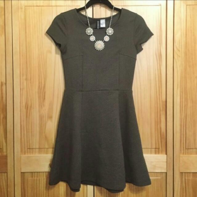 fd50d6f3249f0 H&M (DIVIDED) Olive Green Fit Flare Dress #CNY88