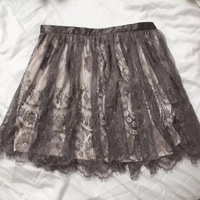 H&M skirt with tags