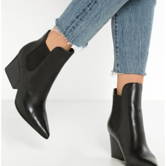 Kendal and Kylie Finley Boots 36.5