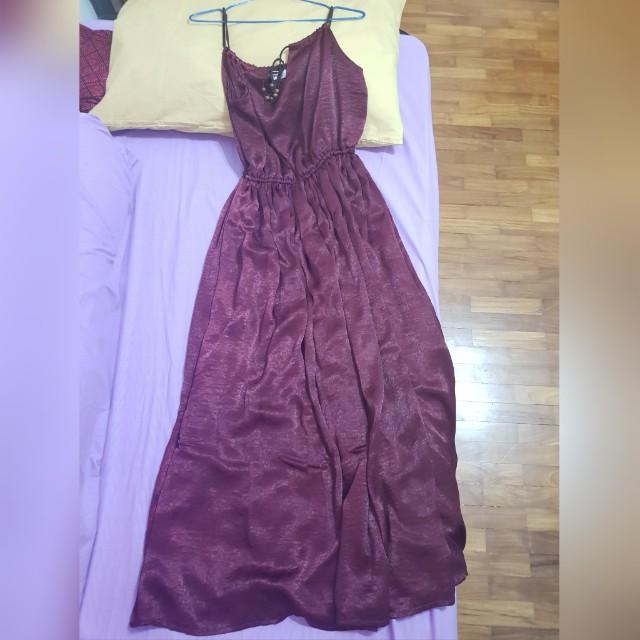 Long dress (maroon)