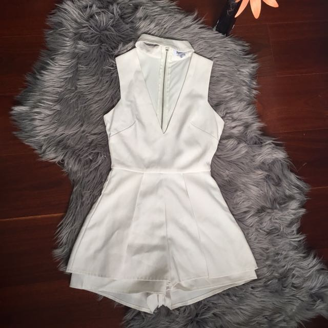 Luvalot White Choker Low Front Playsuit Size 6