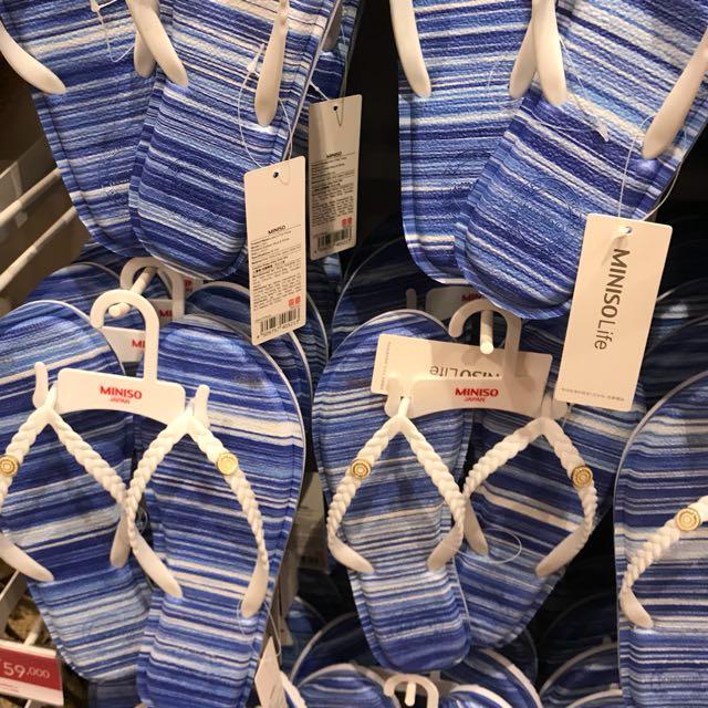 Miniso sandal jepit biru