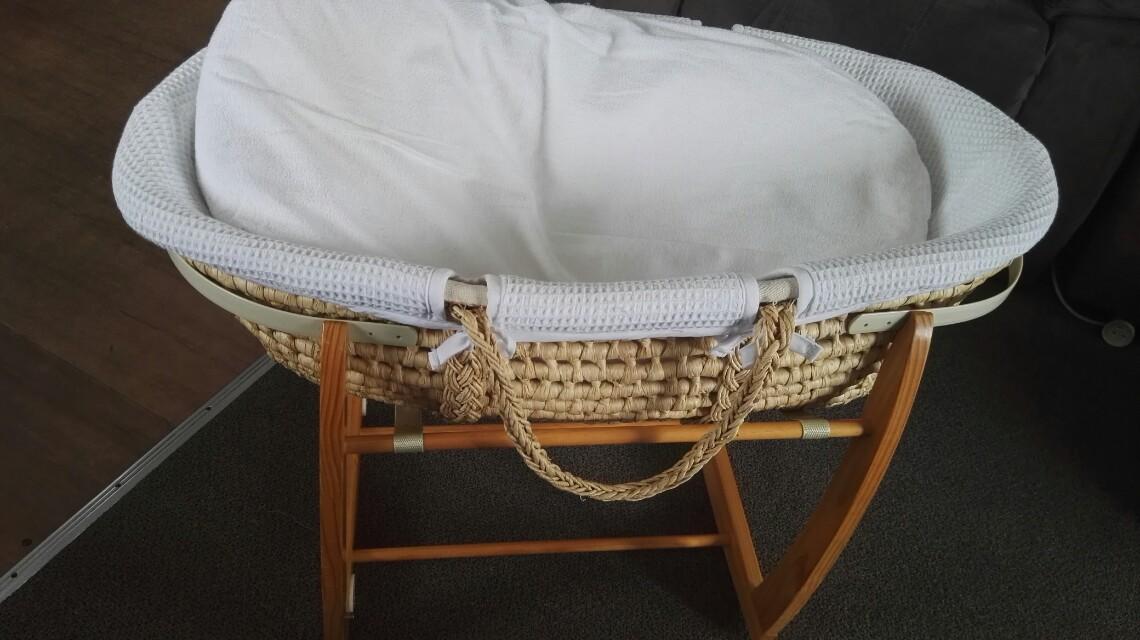 Moses basket (Bassinet)