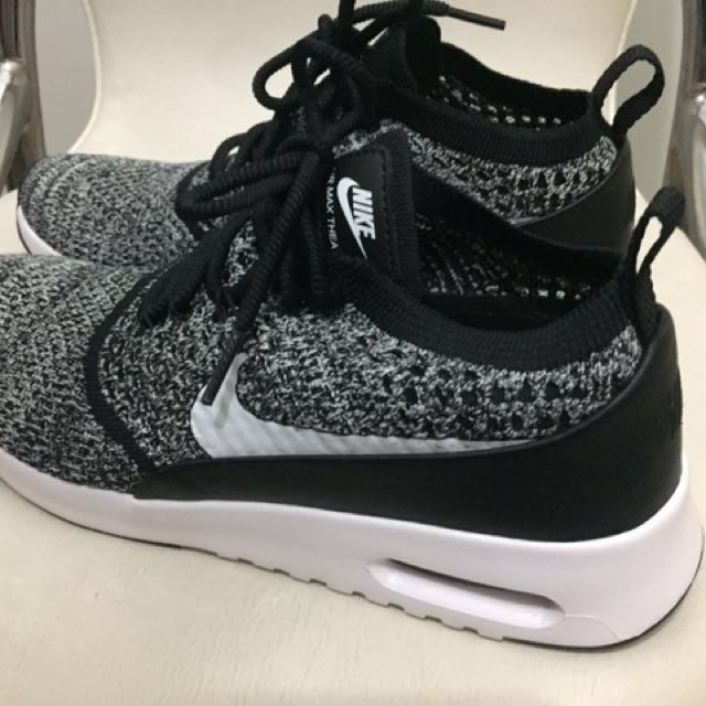 Nike Rubber Shoes 7.5 used once Authentic