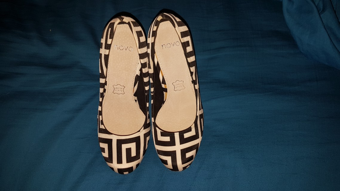 Novo shoes never worn size 5