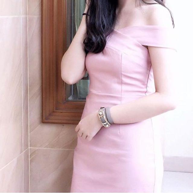 Nyla pink sabrina dress