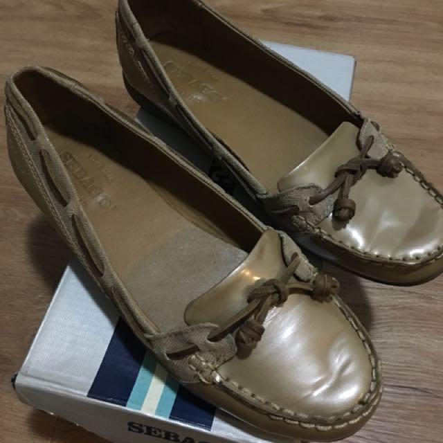 Pre loved Sebago shoes