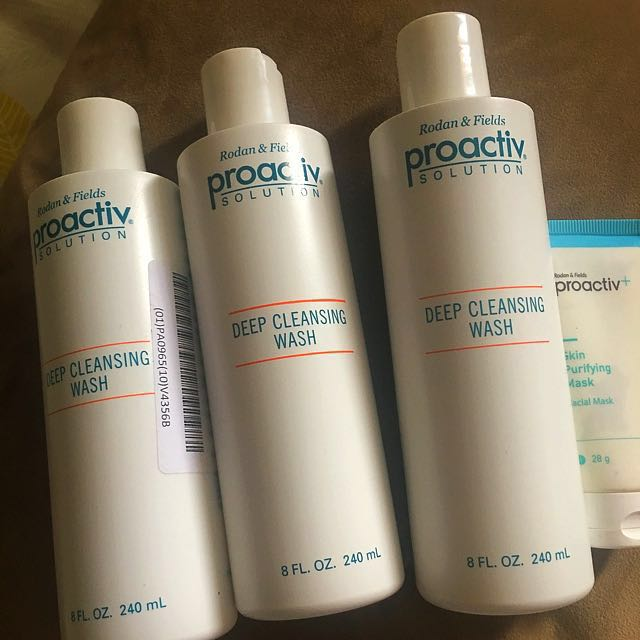 Proactive cleansing wash